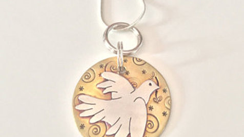 Gold Dove Pendent Necklace