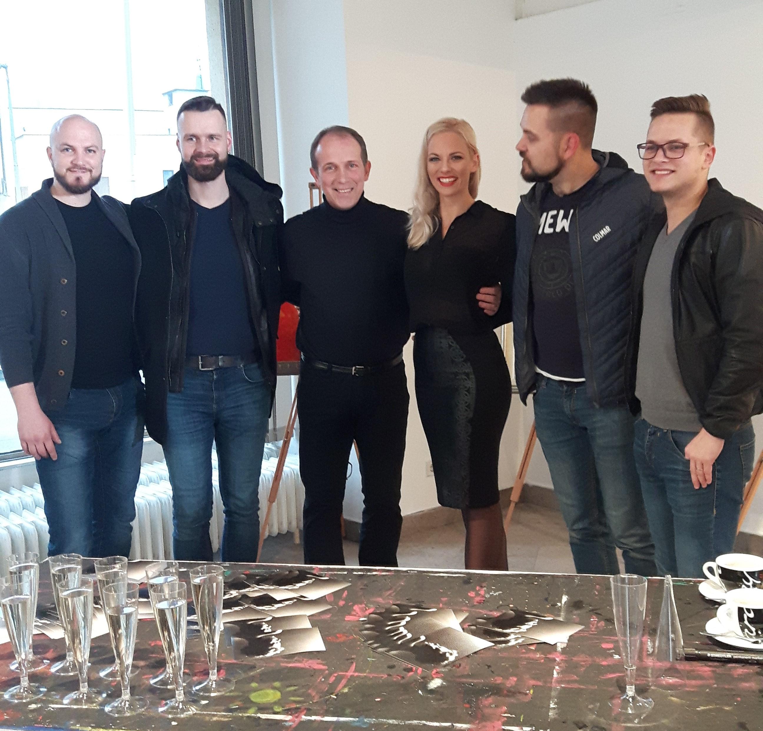 Sodelovanje pri nastajanju novega videospota Kvatropircev v Celju.