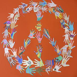 Peace_Hände_Quadrat.jpg