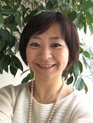 アロマセラピスト室井友子。