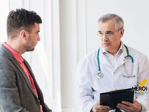 Como o Parkinson está relacionado ao risco de AVC?
