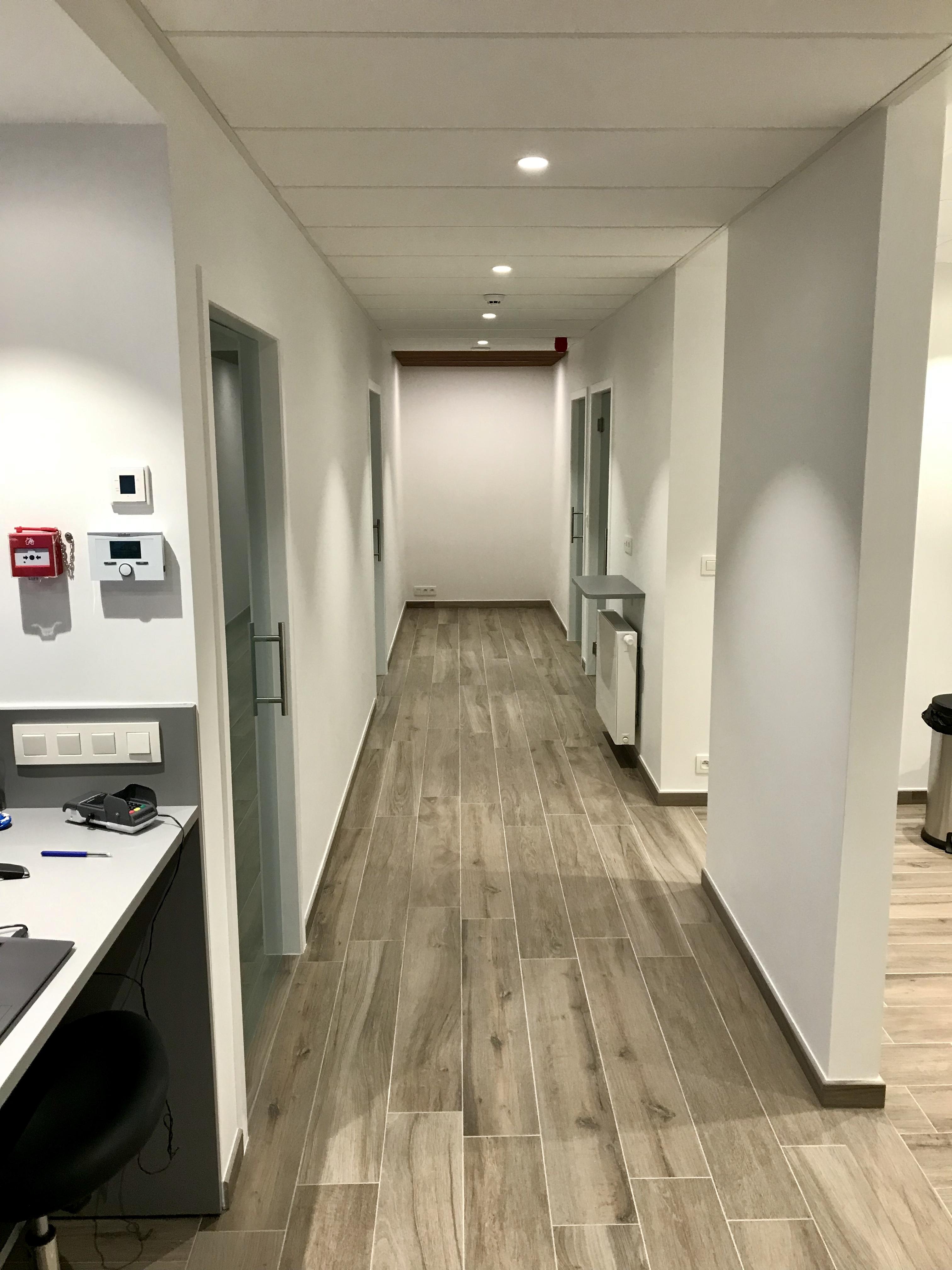 Couloir principale du Cabinet Prodigue : endodontie et stomatologie