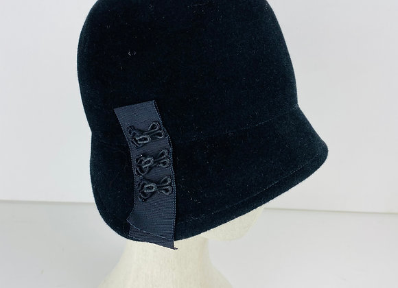 Hook and Eye Cloche