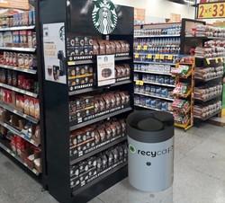 Contenedor Recycap en supermercado