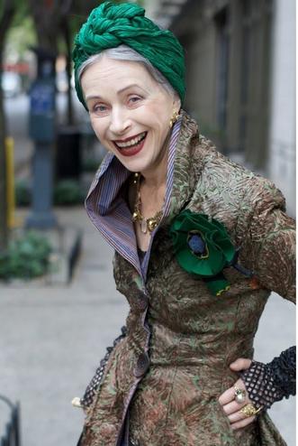 Fashionable Old Ladies