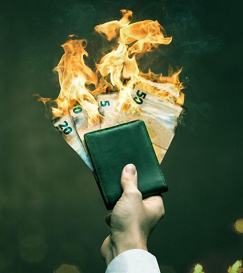 queimando-dinheiro-.jpg