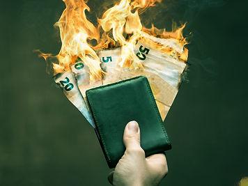 queimando-dinheiro-_edited.jpg