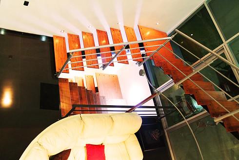 Detalle Escalera a Sotano y Planta Alta