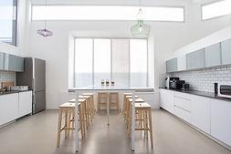 Klares Design und funktionale Geräte - *Elegante Küchen von Valcucine!