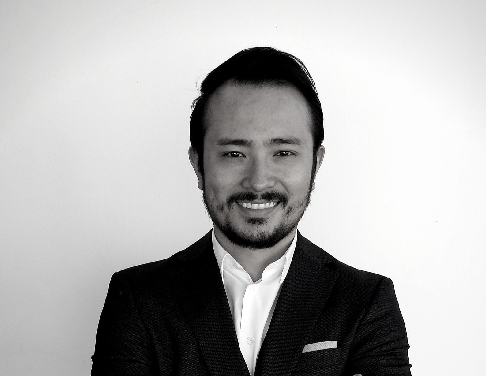 Consulta  |  Dr. Alessandro Ebara