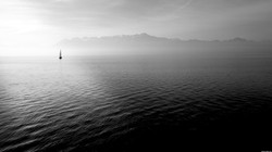 137_nature_landscape_black-white_sea_boat_sea