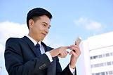 スマホ検索スーツ男性.jpg