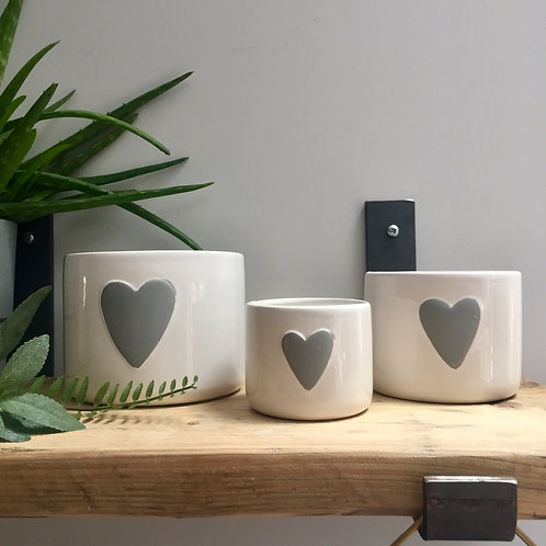 Set of 3 White Heart Pots