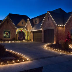Warm White C9 LED Roof Outline with Window Wreaths and Lawn Outlines