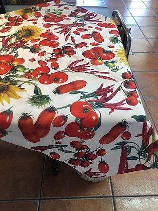 Mantel artesanía tomates y guindillas