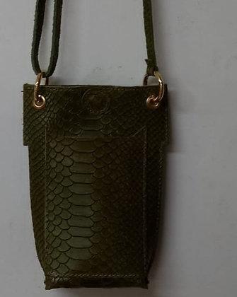 Porta móvil piel verde gravada