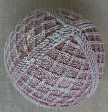 Bola resina rosa variada