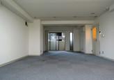 相続時に半分が空室だった事務所ビルを再生
