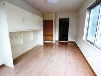 高松の中心街近くの山沿いのワンルームマンションを2戸まとめて売ります