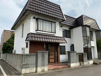 北海道旭川の家、便利な場所で建物も庭も広いです