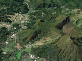500坪近くの島根の土地、現在は草木が生えています
