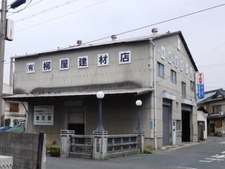 2階建ての倉庫、きれいなのでまだまだ活用できます