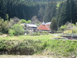 昔懐かしい大黒柱や梁と土間のある空き家、畑もできます
