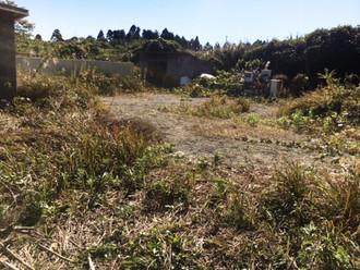 老人ホームや工場など活用できる千葉県の土地、物置小屋が数棟建ってます
