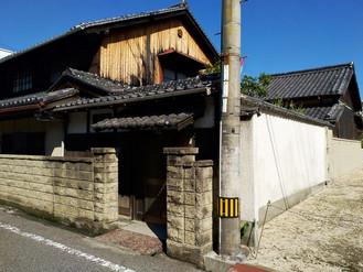 しまなみ海道近くの書院造の古民家、廊下続きで離れと土蔵もあります