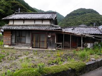 老朽化した家、売ります