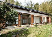 祖母が暮らしていた佐渡の大きな家、納屋・田畑・山林他、多数の残置物まとめて現況で引き取っていただける方へ