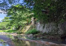 川遊びの拠点を希望される方におすすめな清流川に面した家です