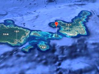 石垣島近くの離島の土地を相続しましたが売ります、沖縄らしい赤瓦の町並みです
