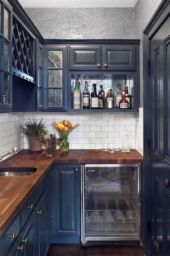 navy blue butler's pantry