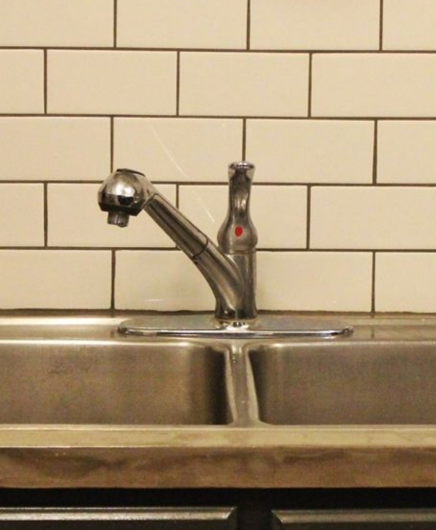 builder grade faucet