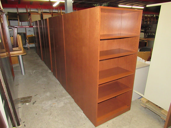#541, Pre-Owned Steelcase 5-Tier Wooden Bookcase