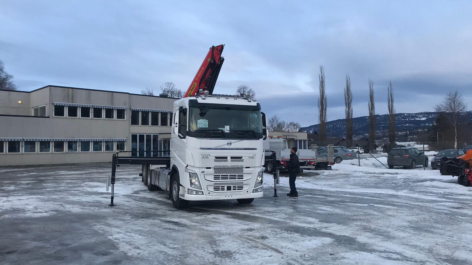 Volvo Krokløftbil med Kran