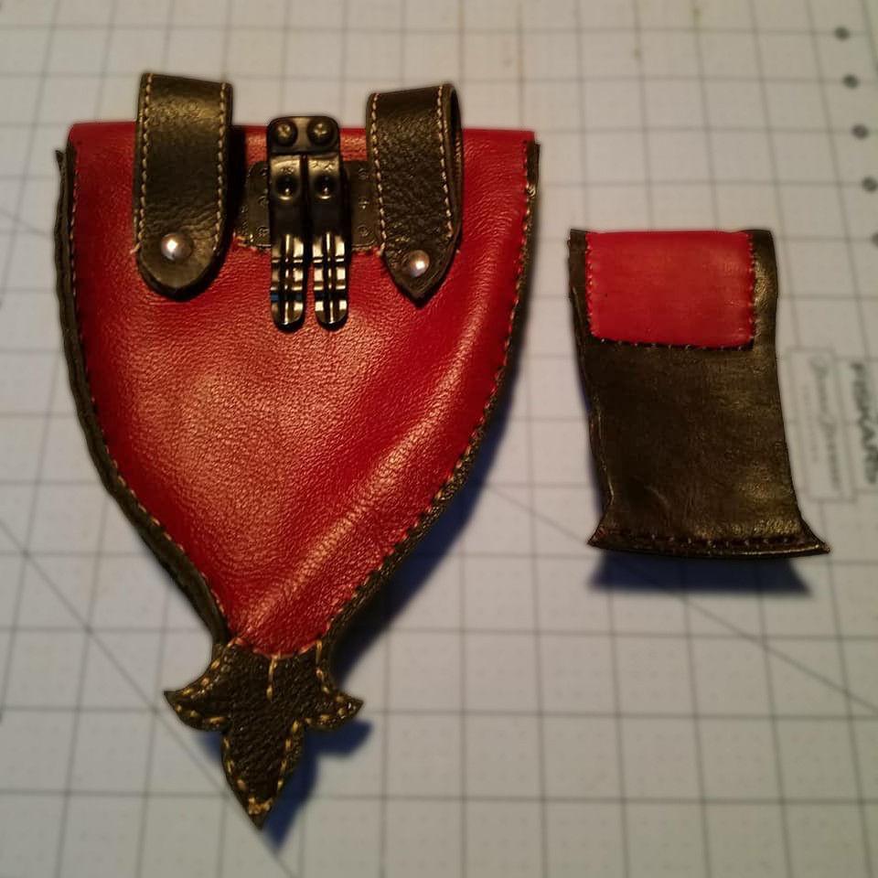 Fox Tail Pouch back