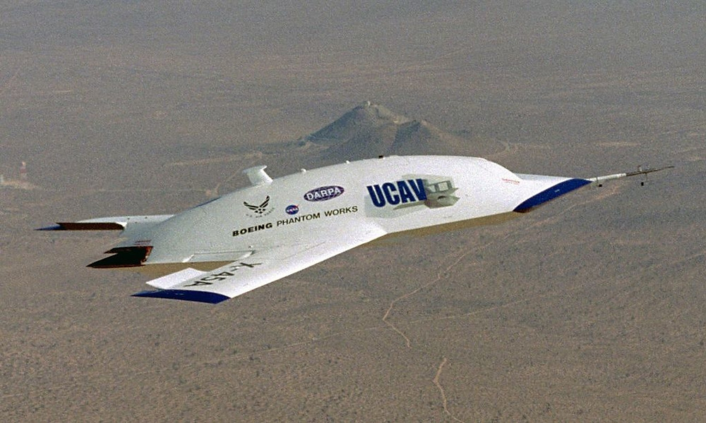 The X-45A Unmanned Combat Air Vehicle (UCAV) technology demonstrator completed its sixth flight on Dec. 19, 2002. [Image Credit: NASA]