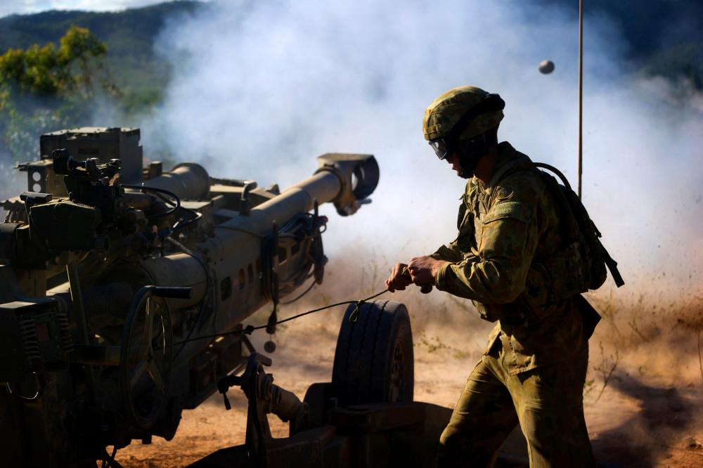 M777 firing