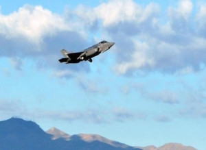 The RNoAF's first F-35 taking-off at Luke AFB, Arizona. Credit: RNoAF