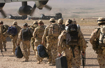 Australian Special Forces board a C-130 Hercules, Afghanistan 2005 [Image credit: Defence]
