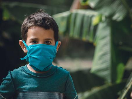Aprenda a ensinar seus filhos a usarem máscara