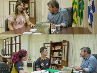 Prefeito Vinícius Luz recebe dirigentes esportivos da equipe Wider Santos de Judô e Isabella Miranda