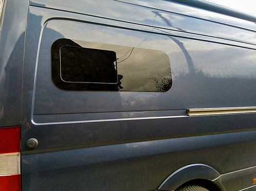 "VAN BUNK HALF-SLIDER WINDOW PASSENGER SIDE 40"" X 15"""