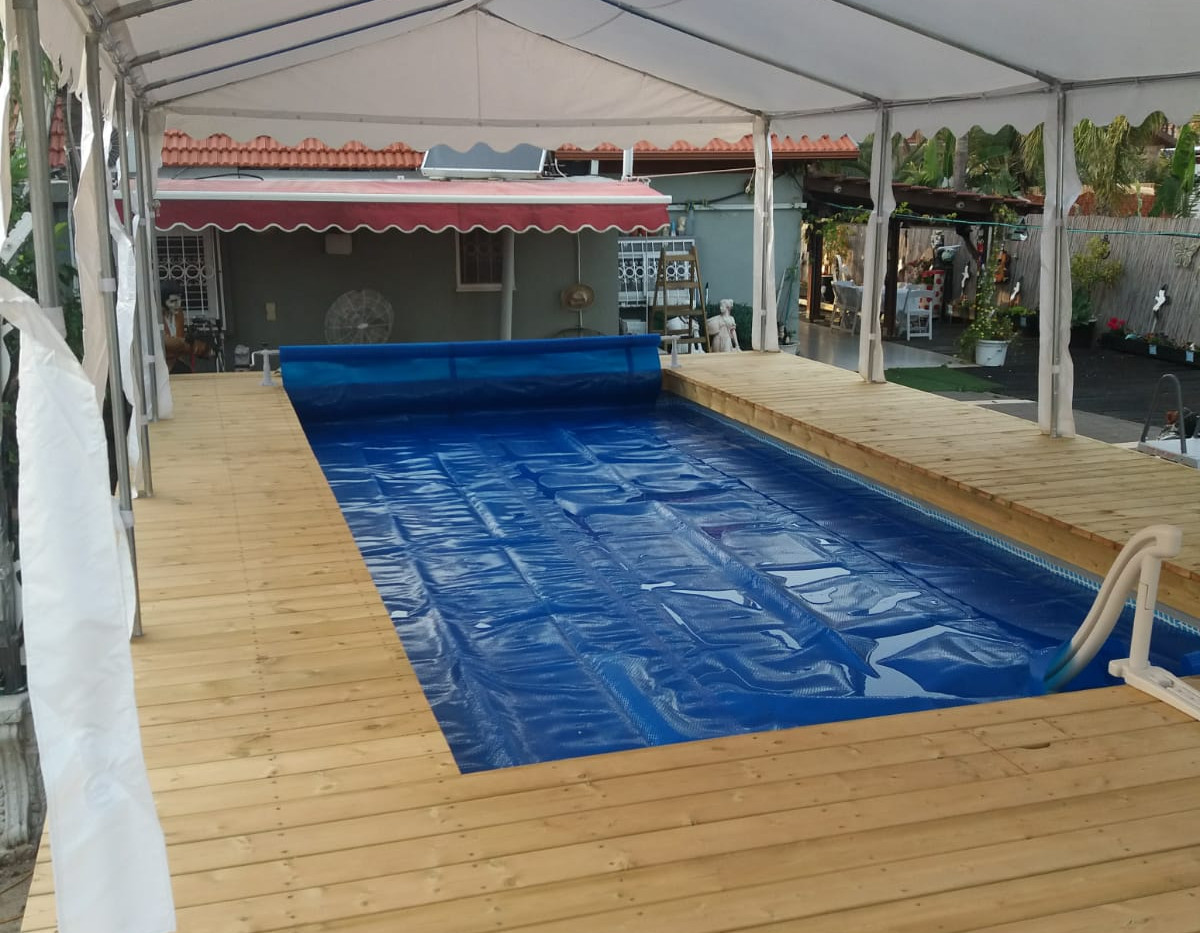 אוהלים לבריכות שחייה