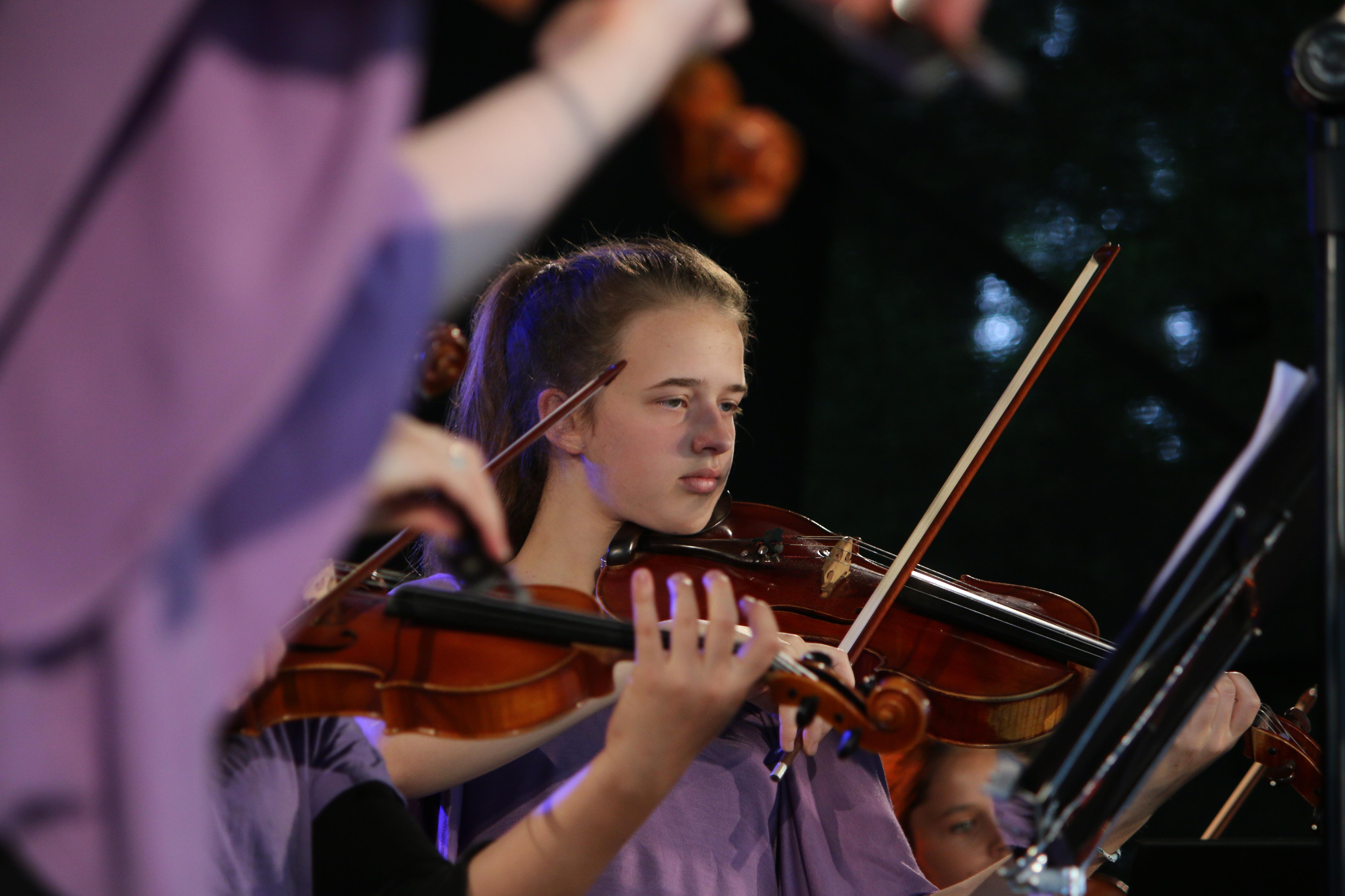 Viola Bratsche Schülerin Musikschule