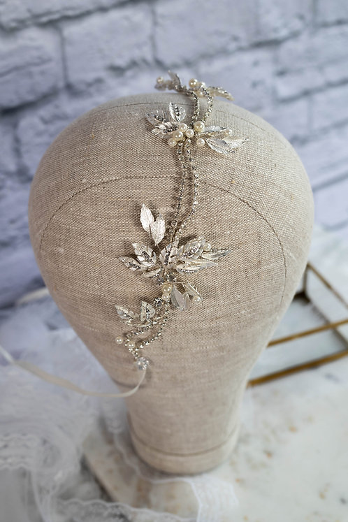"Headpiece ""Caro"""