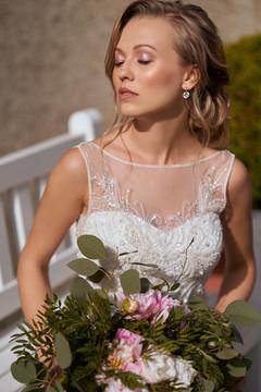 Brautstyling der Extraklasse mit wunderschönem dezentem Makeup und Brautfrisur Oberhausen