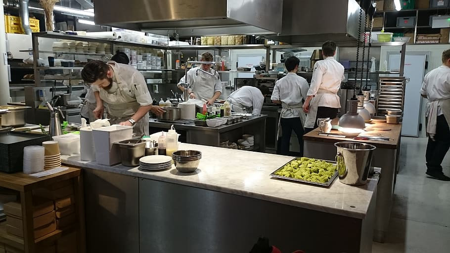 kitchen-chief-restaurant-man.jpg
